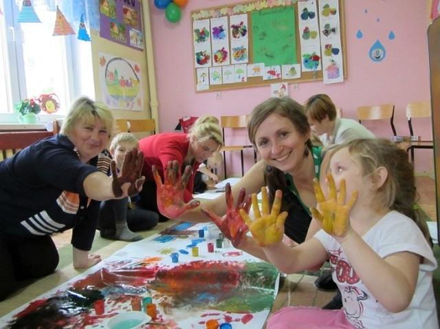 Większa liczba dzieci, świetne wyniki w nauce i hojni sponsorzy - tak wygląda sytuacja w Szkole Podstawowej w Janowszczyźnie.
