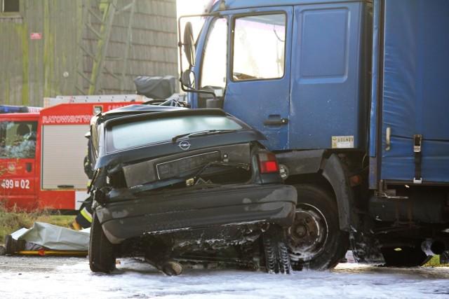 Śmiertelny wypadek w Starym Kobylinie. Nie żyje 22-latek