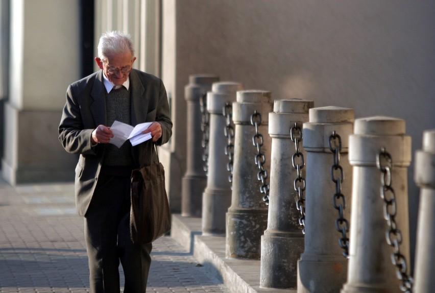 Czternasta emerytura 2021 brutto i netto - stawki....