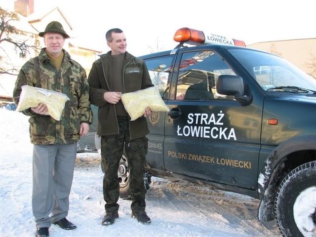 Prawie 800 kg makaronu, dar od myśliwych,  trafi do bezdomnych psów w schronisku w Kruszewie