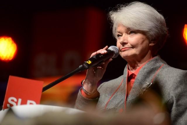 """Krystyna Łybacka, """"jedynka"""" SLD do PE, zachęcała poznaniaków do podpisania obywatelskiego projektu ustawy."""