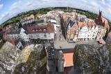 Takie widoki to tylko z wieży ratuszowej w Świebodzinie. Stąd można podziwiać całe miasto!