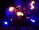 Carnaval Sztukmistrzów 2021: działo się na terenie browaru Perła. Ogniste show MansterVille & Blackout Paradox. Zobacz zdjęcia