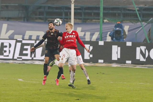 W lutym 2021 Wisła wygrała w Krakowie z Pogonią 2-1.