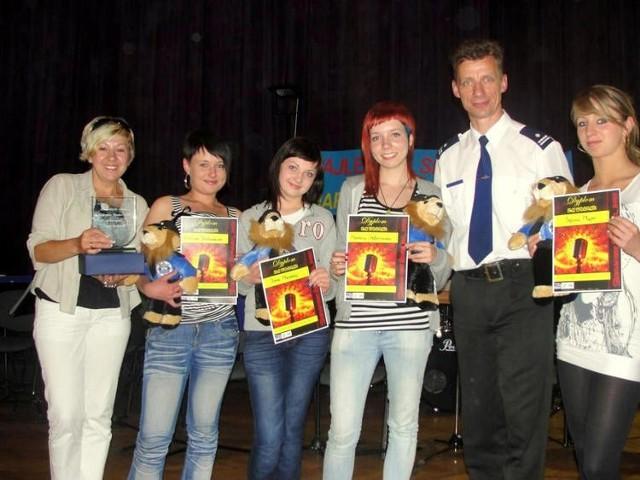 Zwycięska grupa dziwczyn z Zespołu Szkół z Oddziałami Integracyjnymi