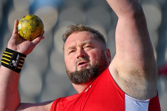 Weteran Janusz Rokicki kolejny raz był bezkonkurencyjny w swojej kategorii w pchnięciu kulą