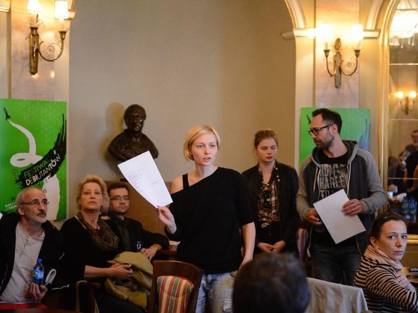 Aktorzy Teatru Horzycy chcą dialogu o przyszłości instytucji