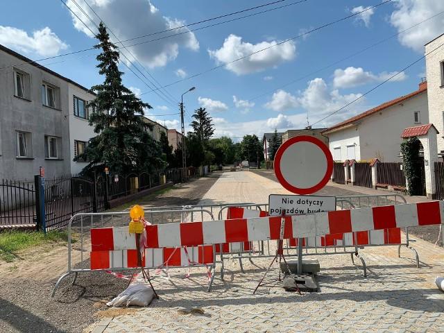 ^ kilometrów uliczek osiedlowych utwardzono w Bydgoszczy od 2018 roku. Na zdjęciu: ul. Rozłogi.