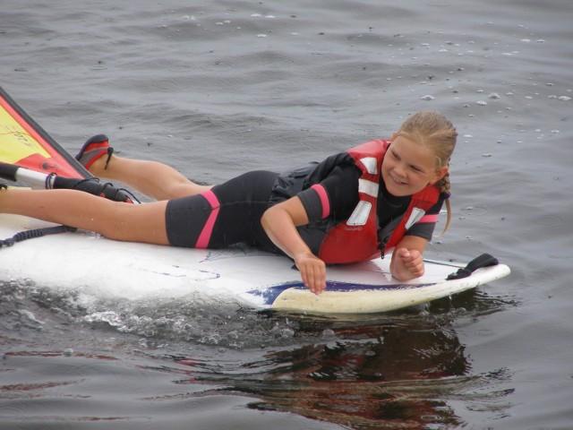 Jeszcze w styczniu myślała o windsurfingu, dziś odzywa się tylko półsłówkami