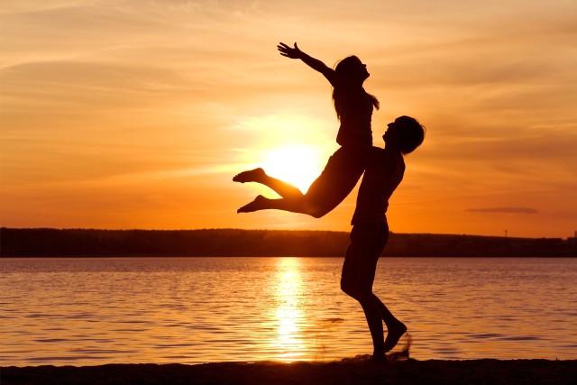 Chcesz się zakochać? To kiedy, jak nie teraz?! Czytaj nowe anonse! Znajdziesz je na następnych stronach