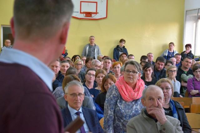 - Gdzie jest burmistrz? - pytali wczoraj mieszkańcy Gorzyc. Fotorelacja ze spotkania.