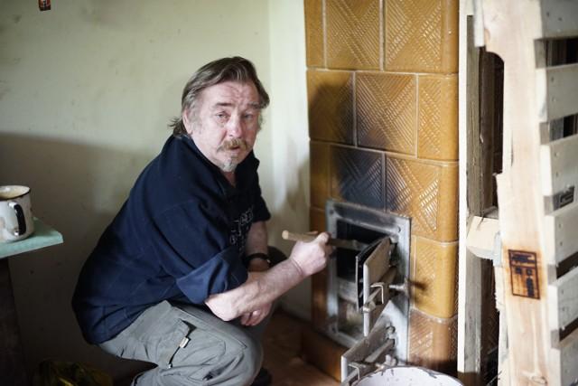 Karol Myśliński od dwóch lat nie może palić w piecu z powodu nadmiaru sadzy