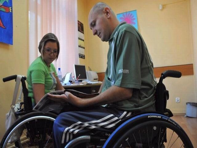 - Mamy wiele pomysłów na to, jak pomóc osobom niepełnosprawnym. Zapraszamy do nas! - zachęcają Monika Greczycho i Tomasz Armudowicz.