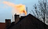 Ekspert: Polska pozostaje najbardziej zanieczyszczonym krajem w UE. Internetowe boty pomogą namierzać sprzedaż kopciuchów