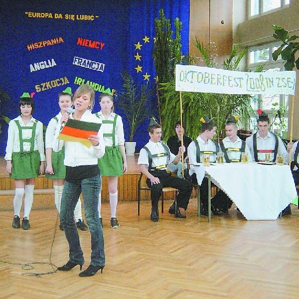 """Niemcy w Europie też dadzą się lubić- przekonywali uczniowie """"Ekonomika"""""""
