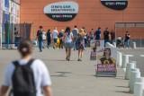 Niedziele handlowe w sierpniu 2018. W które niedziele sklepy zamknięte [kalendarz, lista]