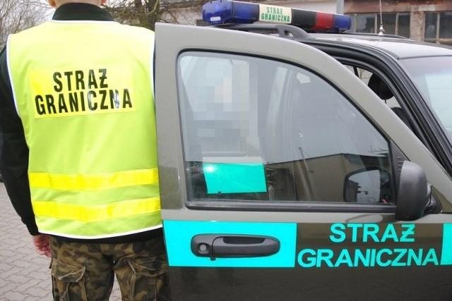 Zatrzymani Rosjanie pozostają w dyspozycji funkcjonariuszy z Placówki SG w Kuźnicy