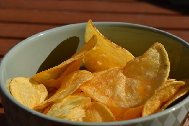 Sprawdź w naszej galerii, jakie skutki ma dla naszego organizmu jedzenie chipsów>>>