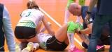 Siatkarka #VolleyWrocław krzyczała z bólu. Zniesioną ją z boiska (FILM)