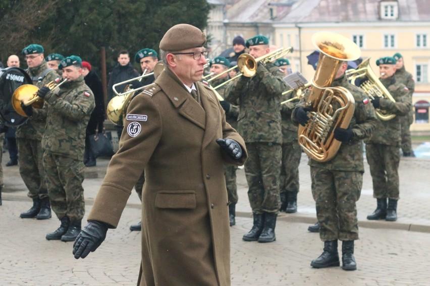 Kwiaty i znicze dla Żołnierzy Wyklętych. Lublinianie oddali hołd bojownikom o niepodległość