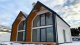 Domki weekendowe w górach na sprzedaż w Beskidach. Z kominkiem i pięknym widokiem. Ceny i oferty, luty 2021
