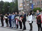Białystok. Wieczór pamięci przed kinem Ton. Białostoczanie upamiętnili Witolda Pileckiego w 73. rocznicę zamordowania przez komunistów