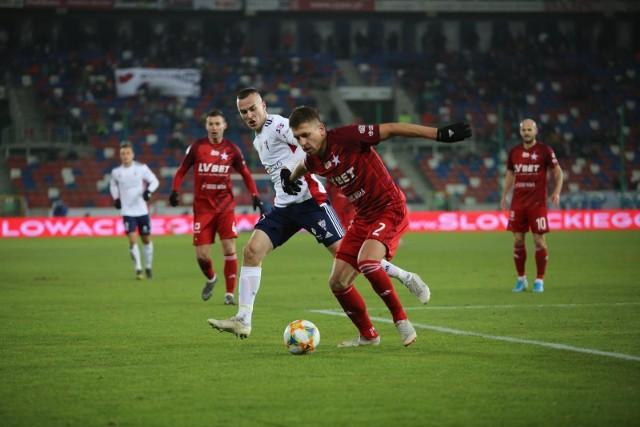 W grudniu Wisła Kraków przegrała w Zabrzu z Górnikiem 2:4, choć do 75 minuty prowadziła 2:1. Czy teraz krakowianie zagrają z większą konsekwencją?
