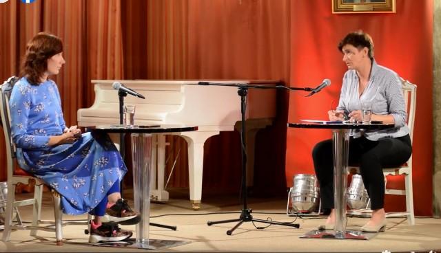 Spotkanie z Justyną Bargielską, poetką i pisarką prowadziła Anna Spólna.