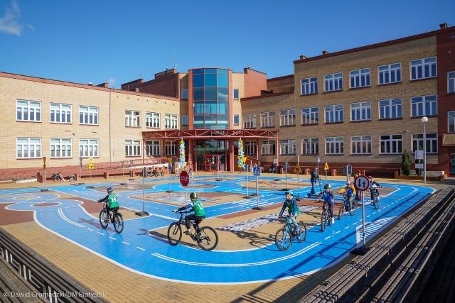 To miejsce, w którym nie tylko można poćwiczyć jazdę na rowerze, ale również przygotować się do egzaminu na kartę rowerową.
