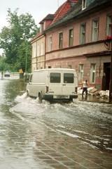 Wyjątkowy film i stare zdjęcia z powodzi stulecia w Krośnie Odrzańskim. Tak wyglądało miasto w lipcu 1997 roku