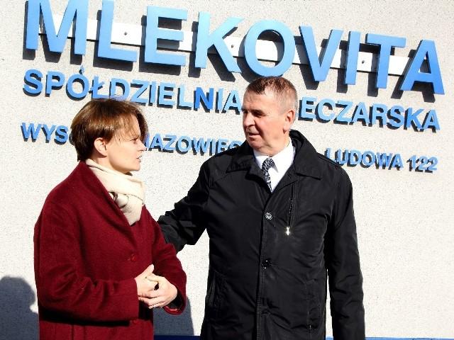 Dariusz Sapiński, prezes zarządu Grupy MLEKOVITA swoją karierę w wysokomazowieckiej spółdzielni rozpoczął w 1979 r., a już w 1986 r. został wybrany prezesem zarządu. W 1992 r. nadał spółdzielni nazwę MLEKOVITA i opracował logo firmy. Dzięki jego skutecznemu zarządzaniu MLEKOVITA stała się największą grupą mleczarską w Polsce.
