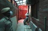 Koronawirus. Dramatyczna sytuacja w Indiach. Są dni, w których notuje się po 80 tysięcy nowych zakażeń COVID-19