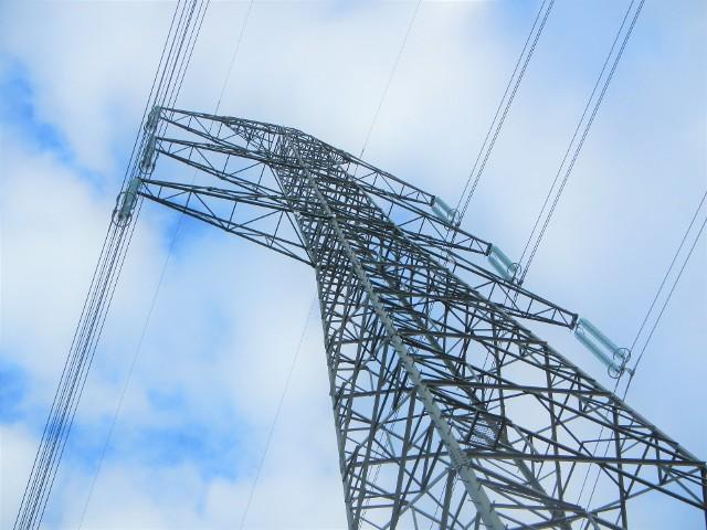 W tym roku rosną ceny prądu. Każde gospodarstwo domowe dostanie wyższy rachunek, więc warto zacząć oszczędzać