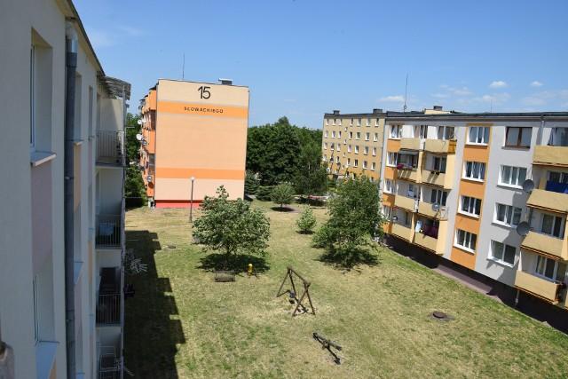 Służby interweniowały w jednym z bloków na osiedlu Słowackiego w Sępólnie. Reanimowały 12-latkiego chłopca, jednak ten zmarł w szpitalu. Sprawę wyjaśnia prokuratura