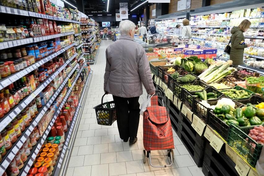 Dużym problemem są wzrosty cen żywności, ponieważ one...