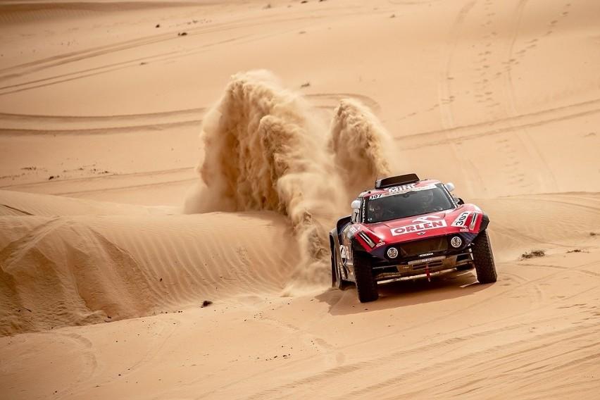 Ekipa Orlen Team walczy o podium Abu Dhabi Dessert Challenge.