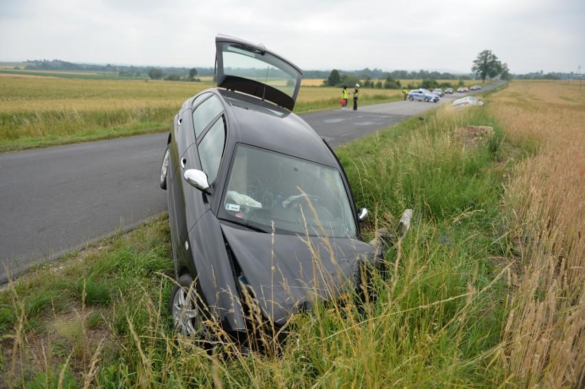 Groźny wypadek we Fredropolu. Cztery osoby zabrano do szpitala [ZDJĘCIA]