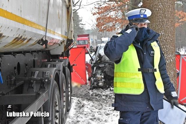Wełmin. Tragiczny wypadek na drodze krajowej nr 22. Zginęły dwie osoby