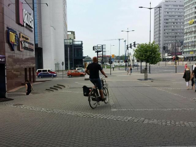Sąd rejonowy musi rozsądzić, czy Hubert B. jechał na rowerze po chodniku