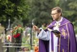 W Krakowie pożegnano Bronisława Augustyniaka, byłego wieloletniego sędziego, trenera i działacza piłkarskiego [ZDJĘCIA]