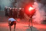 Starcia w Belgradzie, manifestujący oskarżają prezydenta, że nie radzi sobie z pandemią