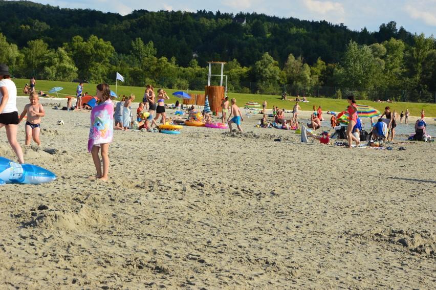 Plaża pod Krakowem jak nad Bałtykiem. Otwarto jedno z największych kąpielisk w regionie [ZDJĘCIA] 29.07