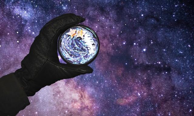 Horoskop dzienny na sobotę 11 kwietnia 2020 roku. Co Cię spotka w sobotę 11.4.2020 r.? Horoskop dla wszystkich znaków zodiaku.