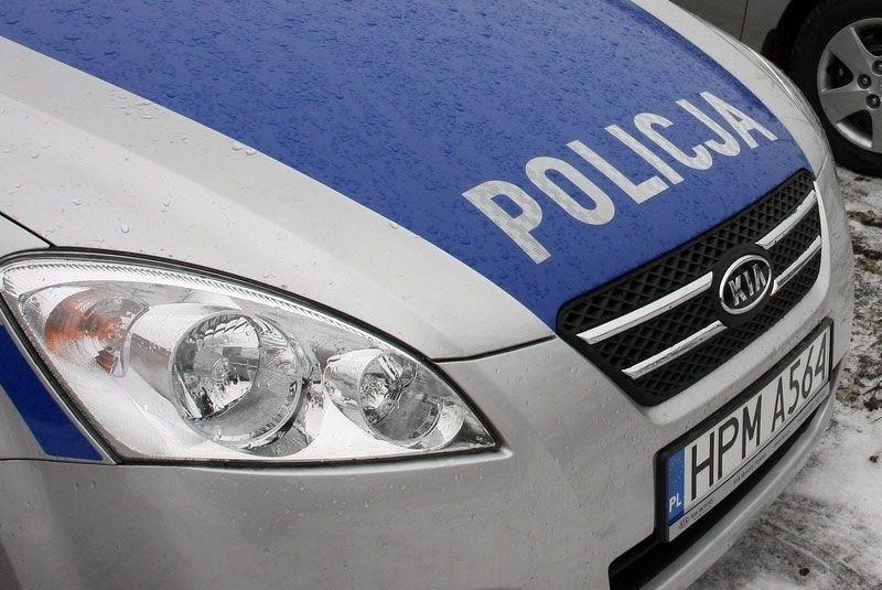 Policja poszukuje świadków potrącenia na przejściu dla...