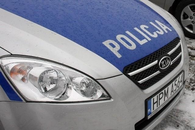 Policja poszukuje świadków potrącenia na przejściu dla pieszych u zbiegu ulic Zwierzynieckiej i Wesołej.