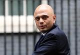 Brytyjski sekretarz zdrowia do pracowników domów opieki: szczepcie się, albo zmieniajcie pracę.