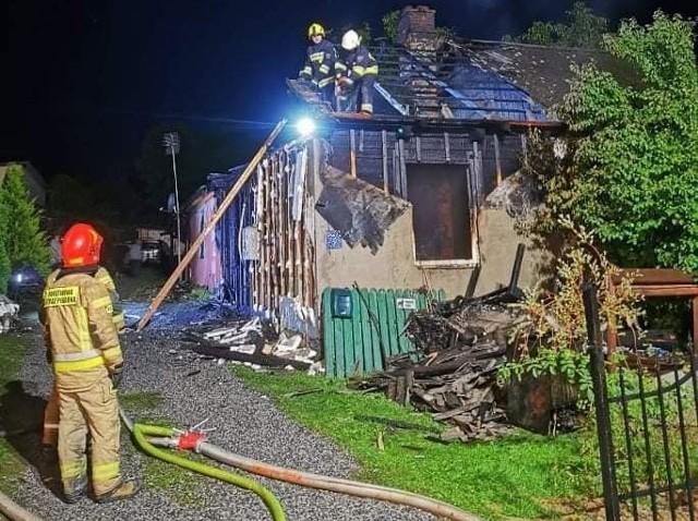 W miejscowości Łazy doszło do tragicznego pożaru. Nie żyje 47-latek.
