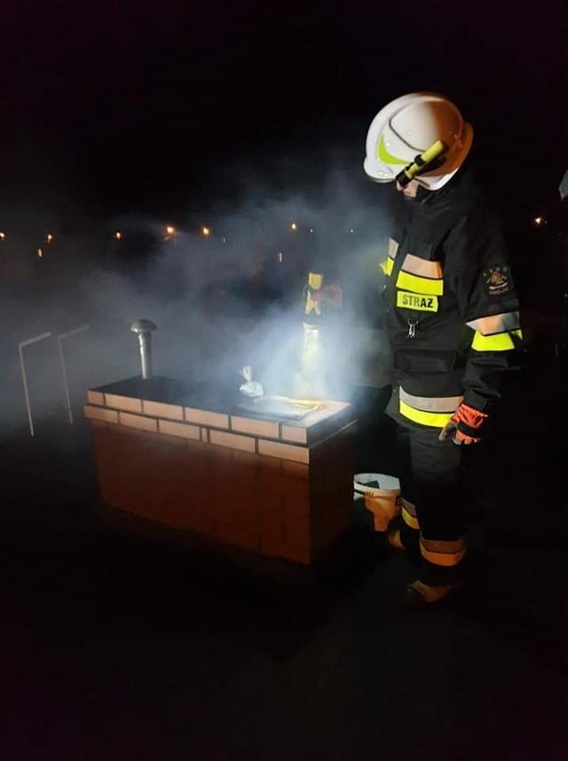 W Unisławiu strażacy interweniowali z powodu palących się sadzy