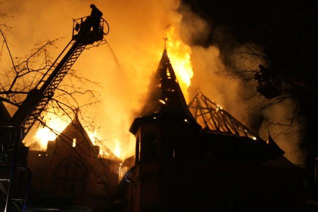 Pożar pałacu w Wąsowie: biegły znowu zawyżył koszty opinii