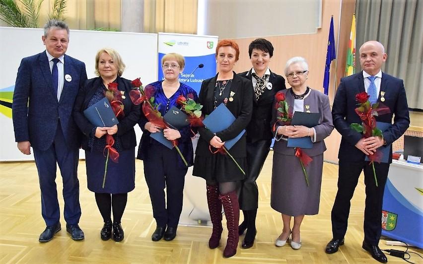 Laureaci Odznaki Honorowej za Zasługi dla Województwa...